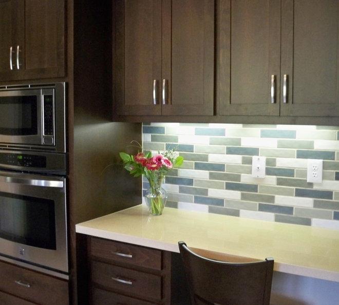 Modern Kitchen by Yoko Oda Interior Design