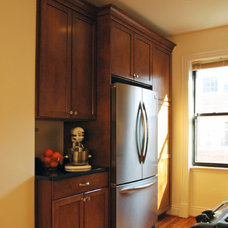 Traditional Kitchen by Merrick Design and Build Inc.