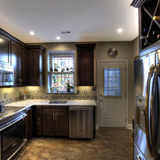 transitional kitchen by Synergy Design & Construction