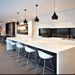 contemporary kitchen by DDB Design Development & Building
