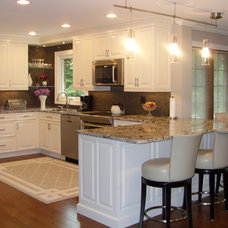Transitional Kitchen by DDS Design Services, LLC by Jeff Kida