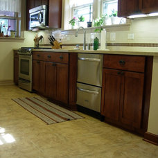 Traditional Kitchen by DDS Design Services, LLC by Jeff Kida
