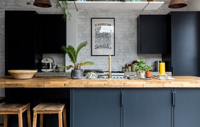 5 Worktops that Look Beautiful with a Dark Blue Kitchen
