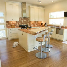 Contemporary Kitchen by De` Humphries, Allied Member ASID