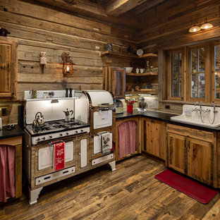 Bon Rustic Kitchen Designs   Example Of A Mountain Style U Shaped Dark Wood  Floor Kitchen