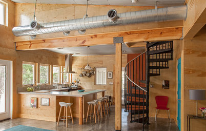 Houzz Tour: A Plywood-Paneled Beach Cottage Stands Out in Florida