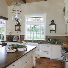 traditional kitchen by Deborah Leamann