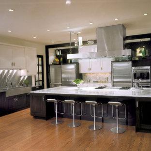 Modern kitchen designs - Minimalist kitchen photo in Denver