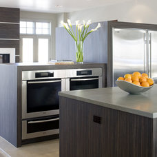 Modern Kitchen by Debra Toney, AIA Assoc.