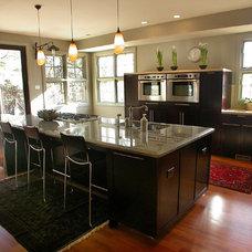 Modern Kitchen by Debra Toney, AIA Assoc.