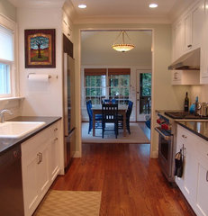traditional kitchen by Soorikian Architecture
