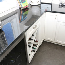 Traditional Kitchen by Atlanta Tile Contractor Inc.