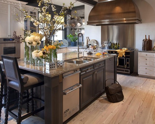 Example Of A Classic Kitchen Design In San Francisco With Stainless Steel  Appliances Part 68