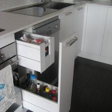 Modern Kitchen by Collaroy Kitchen Centre
