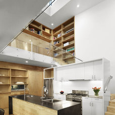 Modern Kitchen by Baldridge Architects
