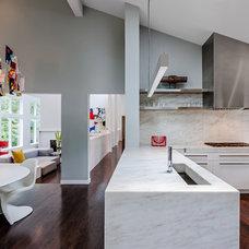 Modern Kitchen by ALTUS Architecture + Design