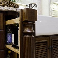 Traditional Kitchen by BRADSHAW DESIGNS LLC