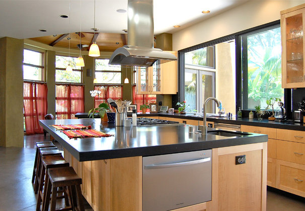 Contemporary Kitchen by Farrell Design Assoc Inc,