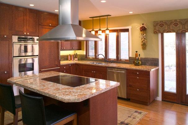 Modern Kitchen by Design Brouelette