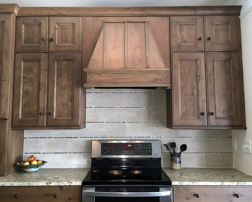 Delcove way traditional rustic kitchen for Traditional rustic kitchen
