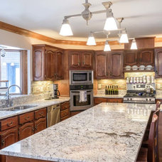 Traditional Kitchen by Renaissance Granite & Quartz