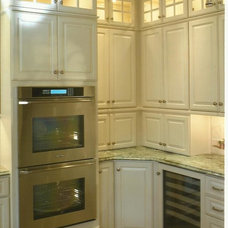 Traditional Kitchen by Kitchen Sales Gallery