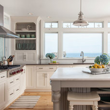 Beach Style Kitchen by REEF Cape Cod's Home Builder