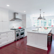 Traditional Kitchen by Highlight Homes, LLC