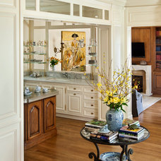 Traditional Kitchen by Linda L. Floyd, Inc., Interior Design