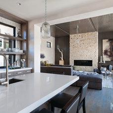 Midcentury Kitchen by k studios