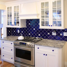 traditional kitchen by World Contracting LLC