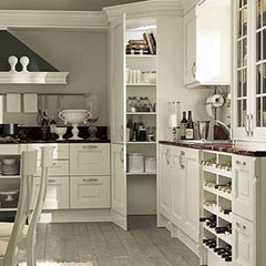 traditional kitchen by European Spaces