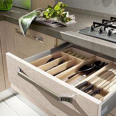 Modern Kitchen by European Spaces
