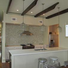 Modern Kitchen by Sun Custom Restoration
