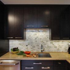Modern Kitchen by Kingston Design Remodeling