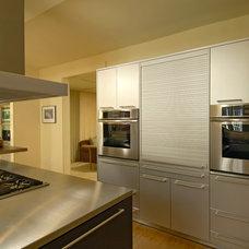 Modern Kitchen by BOWA
