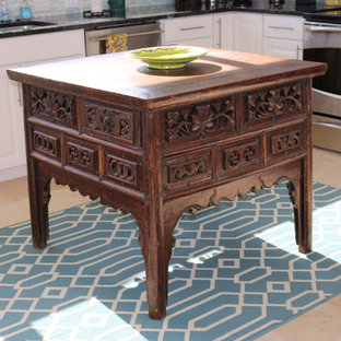 Asian kitchen pictures - Example of a kitchen design in Miami