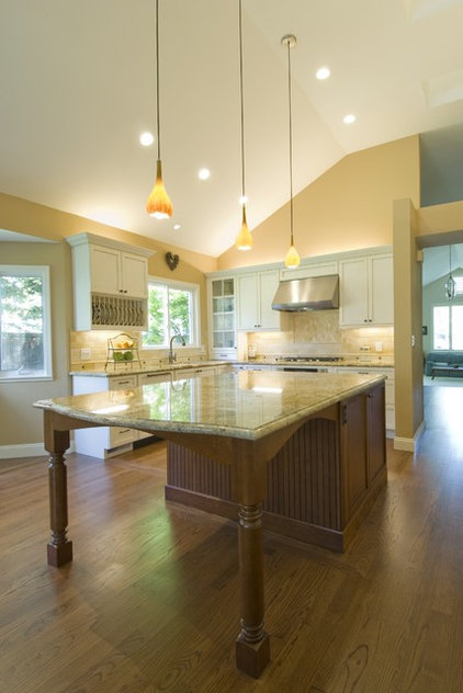 traditional kitchen by Design Savvy