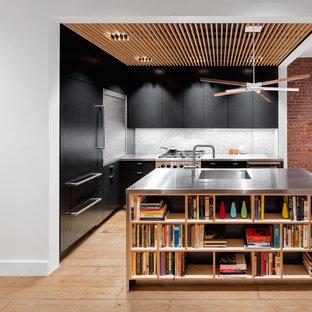 Design: Small Mid-Century Inspired Kitchen