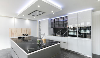 Designer Schmidt Kitchen Display in Gloss Lacquer with Marquina