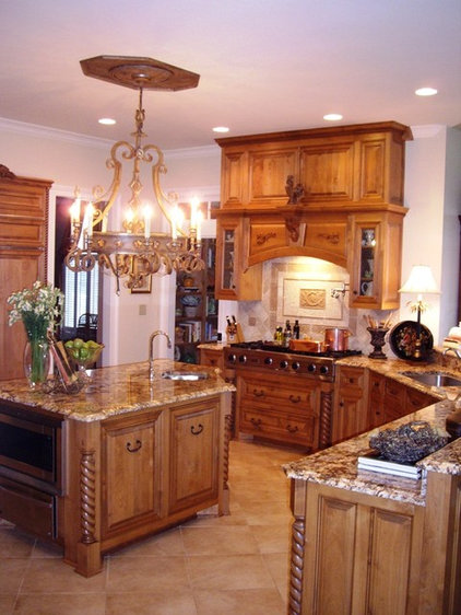 traditional kitchen by Designs by Gollum