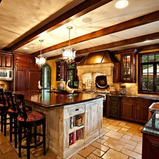 Traditional Kitchen by Designwright Studios