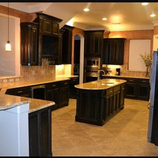 Traditional Kitchen by GRANITE-ZONE