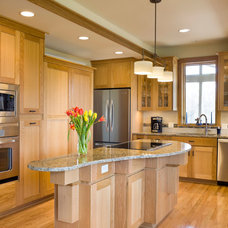 Craftsman Kitchen by Design Build Team Inc