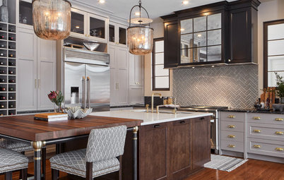 Kitchen of the Week: Large Island Anchors a Family Hub