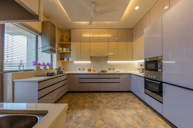 Contemporary Kitchen by Violet design