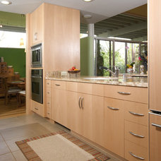 Contemporary Kitchen by Thimgan Architectural Group