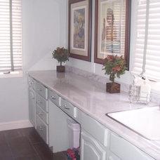 Eclectic Kitchen by Decorating Den Interiors - Deborah Bettcher