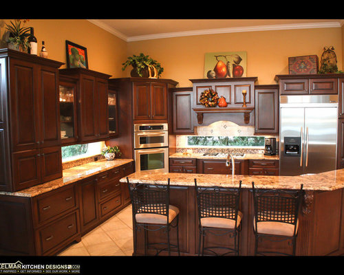 Large traditional kitchen design ideas renovations photos for Cabico kitchen cabinets reviews