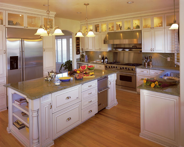 Traditional Kitchen by Diablo Valley Cabinetry